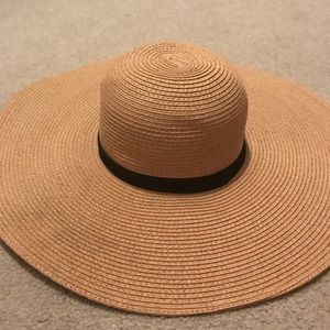 Claire's straw sun hat w black detail. Brand new